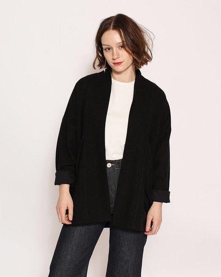 7115 by Szeki Signature Linen Sumo Jacket in Black