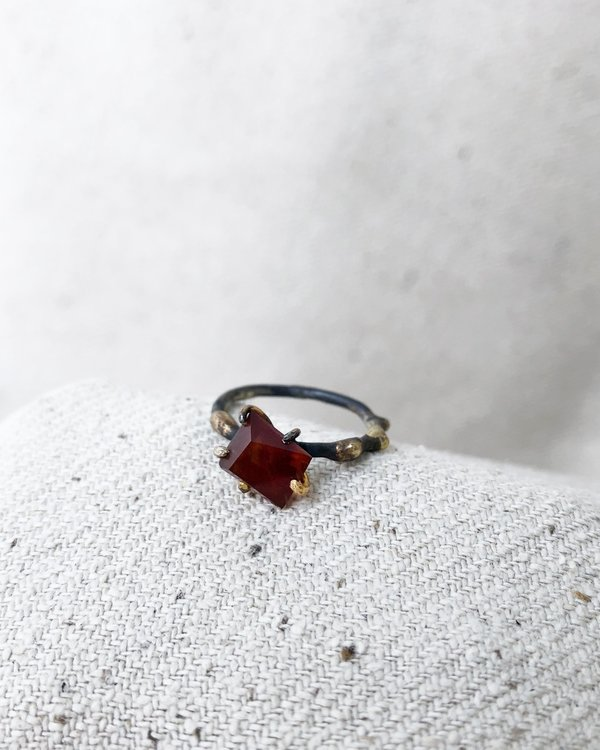 Variance Carnelian Small Ring