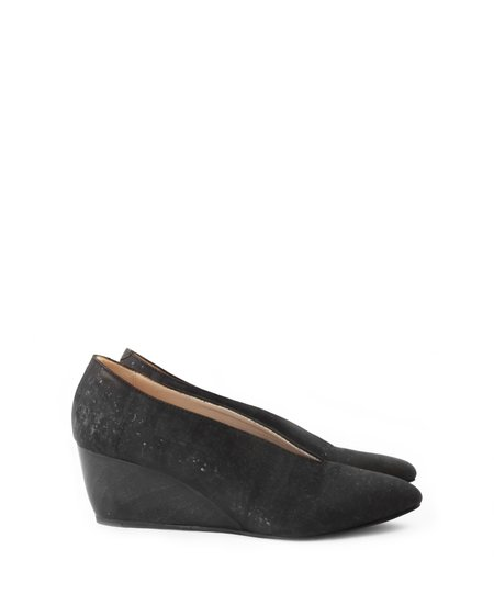 Sydney Brown V-Wedge - Charcoal Cork