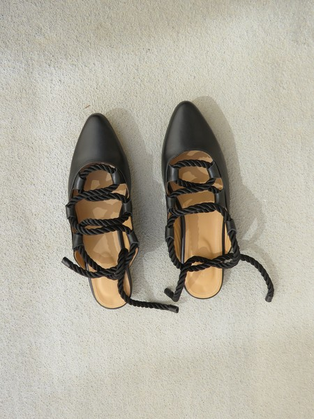 THE PALATINES PATINA - BLACK SMOOTH LEATHER / BLACK SATIN CORD