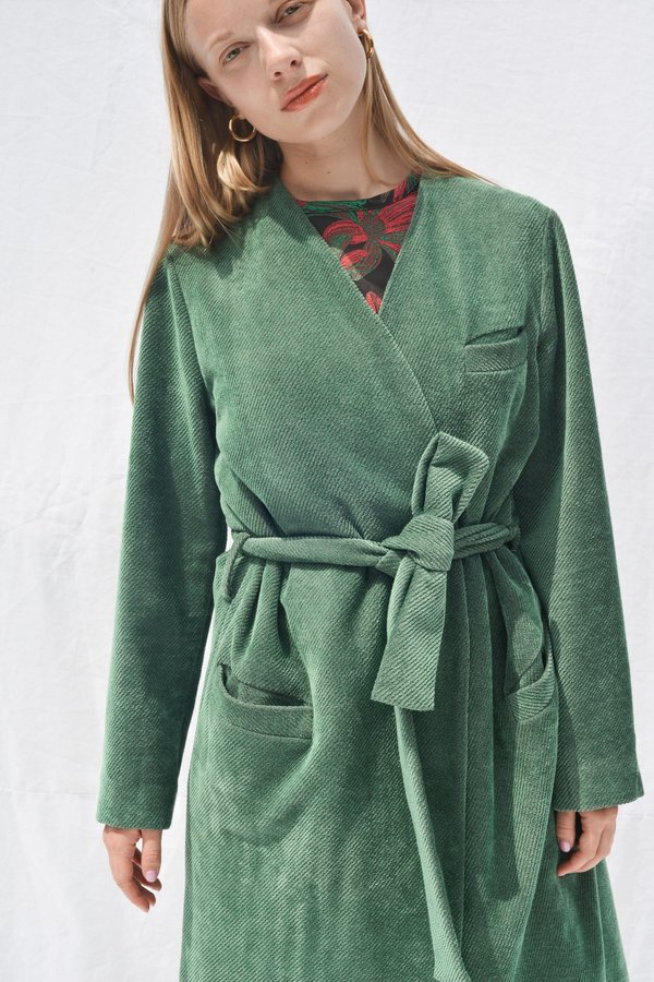 Nikki Chasin MORETTI BELTED ROBE JACKET - SEA GREEN
