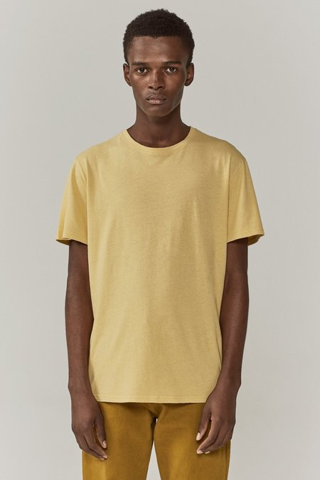 CMMN SWDN Boyd T-Shirt - Faded Yellow