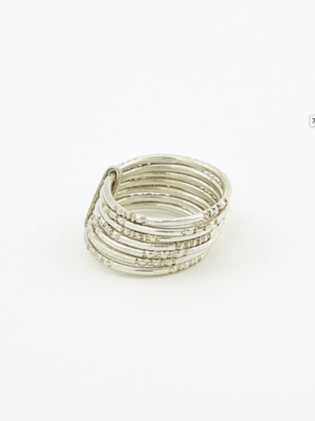 Ombre Claire 7 thin engraved rings silver