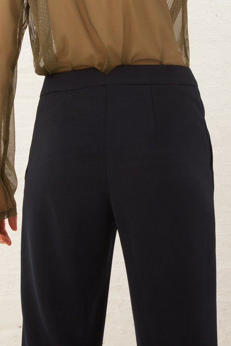 Nomia Cropped Trouser in Midnight