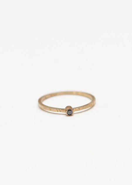 Young In The Mountain Negro Modelo Ring
