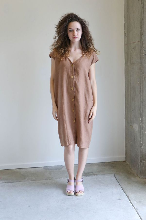 Esby Malia Shift Dress in Pecan
