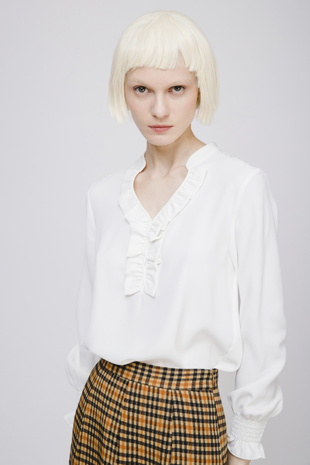Fansilanen V Neck Blouse with Ruffled Collar