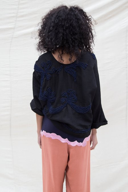Nikki Chasin 3/4 SLEEVE FRENCH KNOT PONCHO TOP - BLACK / NAVY