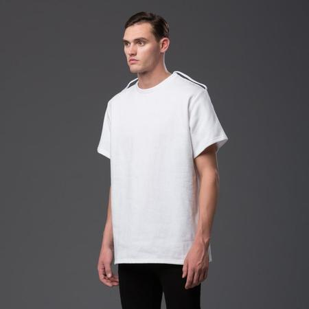 N-p-Elliott Fleece Shoulder Strap Tee- White