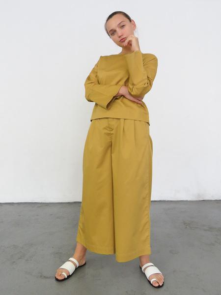 Kowtow Nelken Long Sleeve Top - Gold