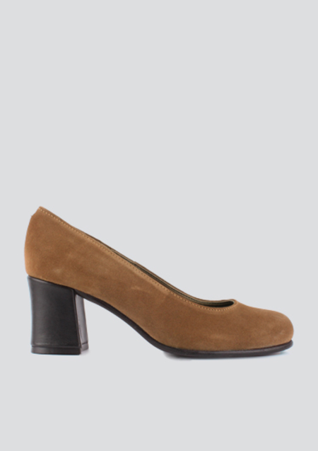 About Arianne Oliver Pumps - Ochre