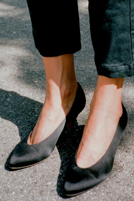 Vintage Casia Yves Saint Laurent Satin Pump - Black