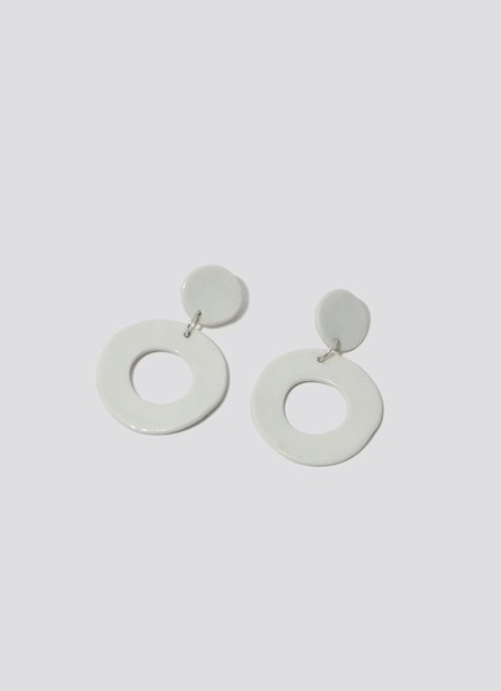 Levéns Jewels O Earrings - White Porcelain