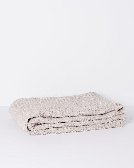 Hawkins New York Simple Waffle Bath Sheet Towel - Light Grey