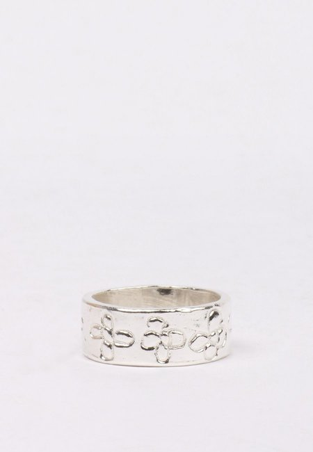 27 Mollys Flower Band Ring - silver