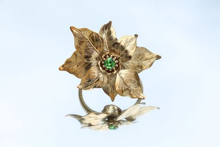 Rodarte Poinsettia Expandable Bracelet with Swarovski Crystals - Gold