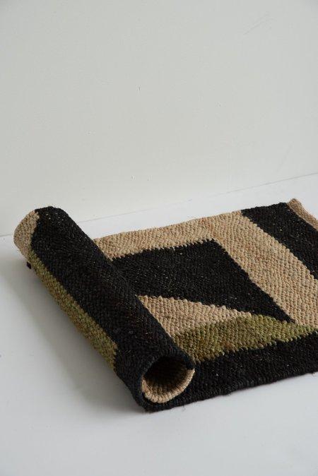 Tantuvi Hemp Rug - Black/Green