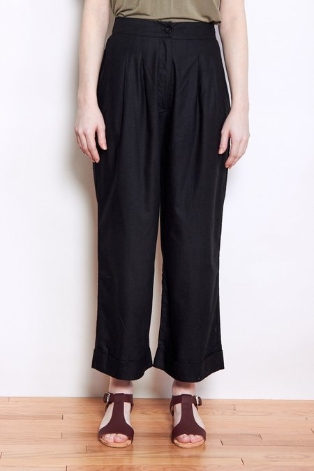 Ali Golden Front Pleat Pant - Black