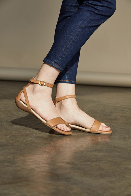 Nisolo Serena Sandals - Almond