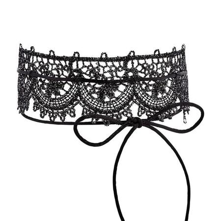 Fallon Lace Scalloped Single Choker Necklace
