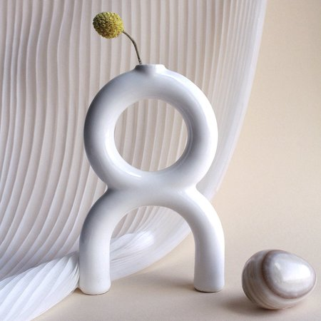 Metalepsis Projects OU Vase - White
