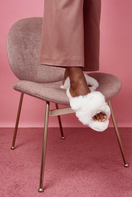 Ariana Bohling Criss Cross Alpaca Slide - white