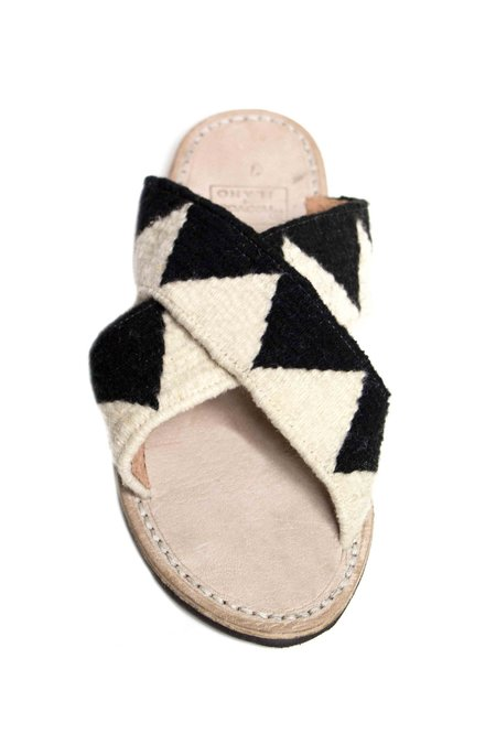 Ilano Jing Slide Sandal - Black/White
