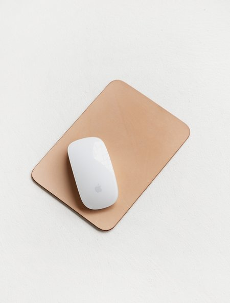 Isaac Reina 319 A5 Leather Mouse Pad - Natural