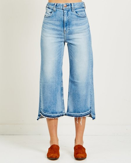 RED CARD AKIRA JEANS - LIGHT USED UNTIE