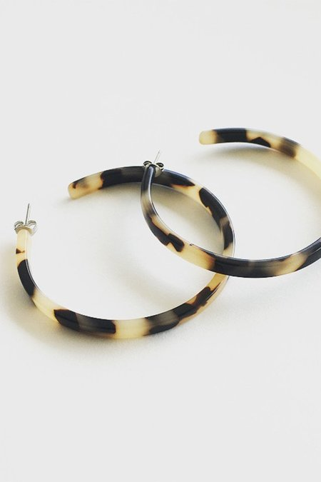 Machete Flat Edge Hoops - Blonde Tortoise