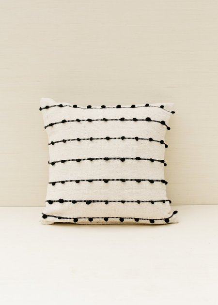 Territory Loops Pillow - Black/white