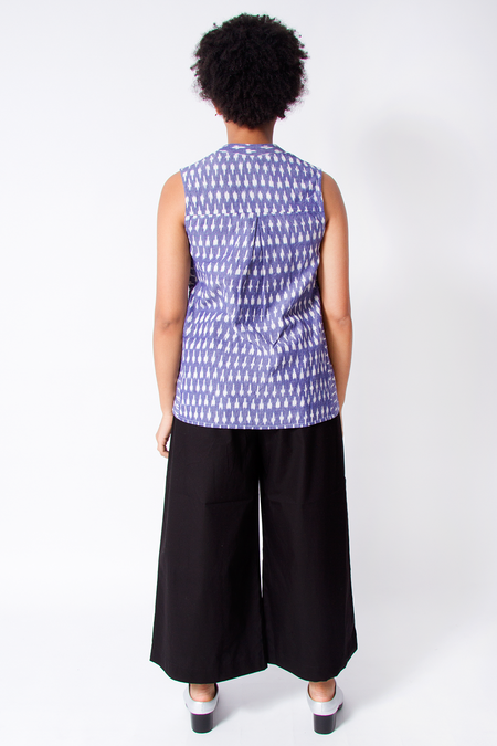 Bhoomki Amma Sleeveless Top - Ikat
