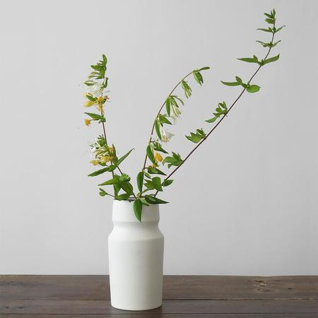 notary ceramics exclusive vase - WHITE