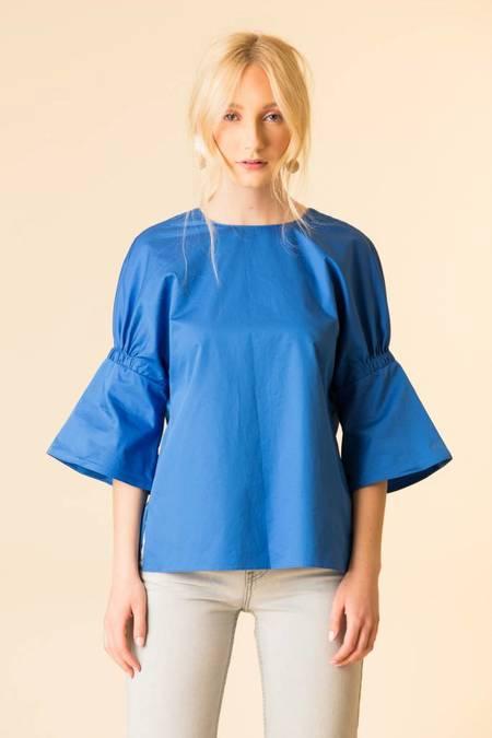 Tibi Satin Poplin Shirred Sleeve Tee - BLUE