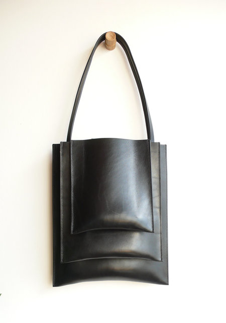 SARA BARNER STACK BAG - BLACK