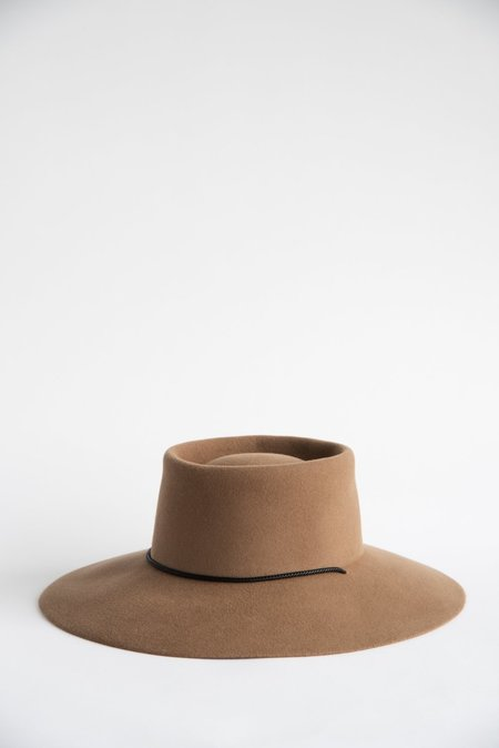 Clyde Gaucho Hat - Fawn Suede Angora