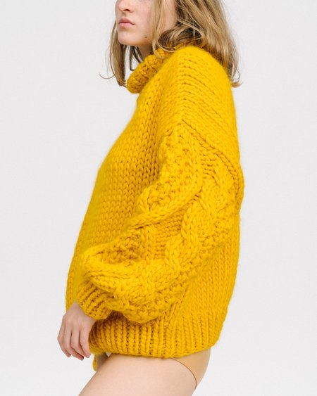 I love Mr Mittens Diamond sleeves sweater in mustard