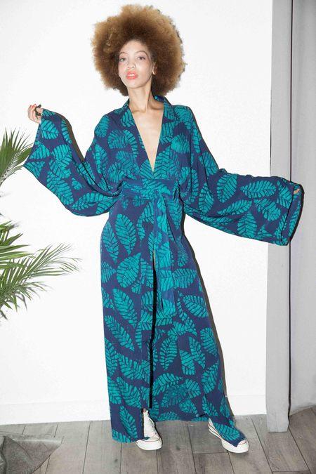 Studio One Eighty Nine Silk Long Kimono - Green/Navy Leaf