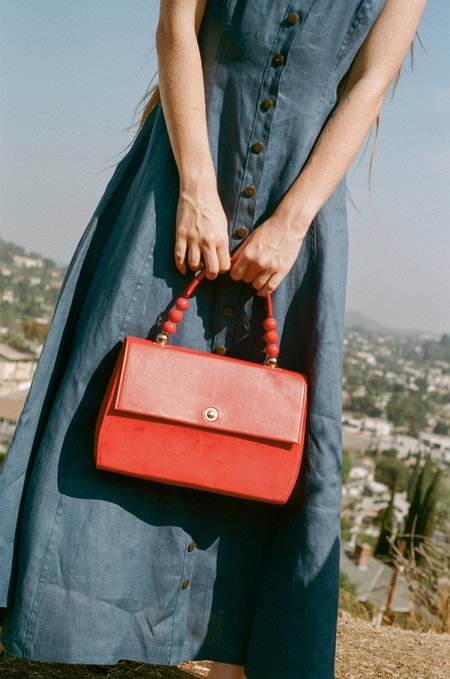 IMAGO-A Nº43 Carre Top Handle Purse - Scarlet