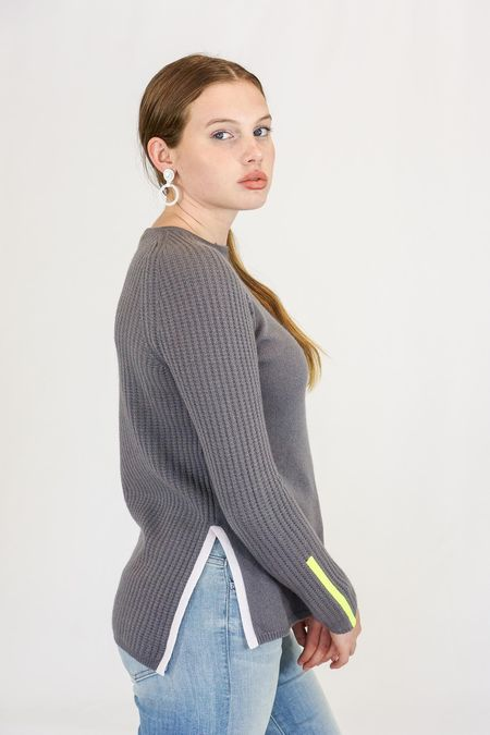 Duffy Raglan Back Stripe Crew Neck Pullover Cashmere Sweater - Avenue Grey