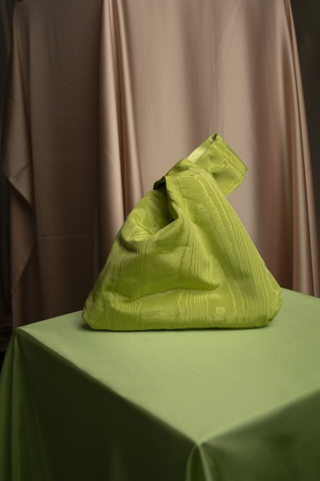 l'equip BOSSA SATIN BAG - LIME