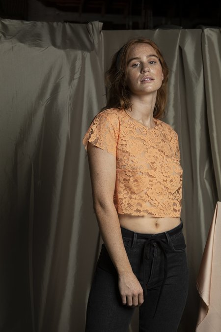l'equip LACE TOMMY TEE - CLEMENTINE