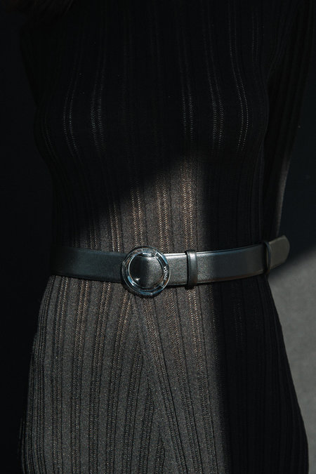 IMAGO-A Nº46 Lucite Buckle Belt - Noir