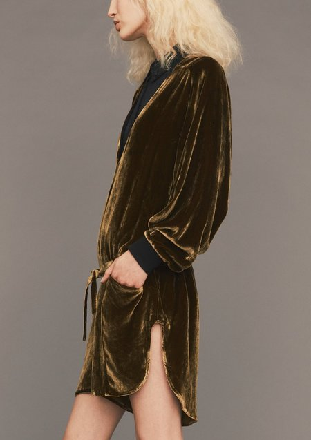 Berenik OVERSIZED SILK VELVET SHORT JUMPSUIT - gold
