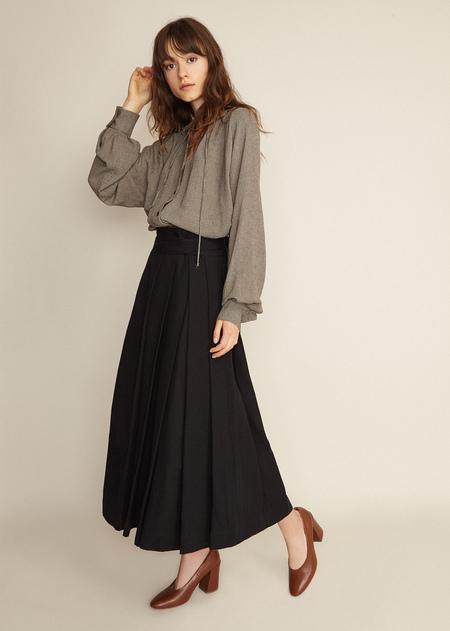 Caramel Pleat Front Skirt - BLACK