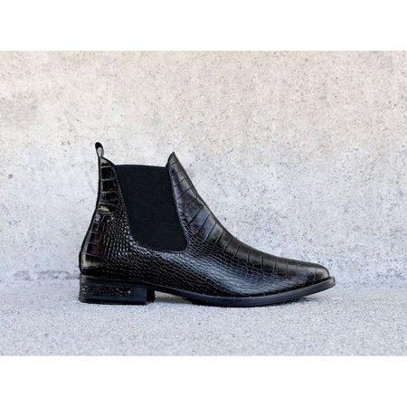 Freda Salvador Sleek Chelsea Ankle Boot