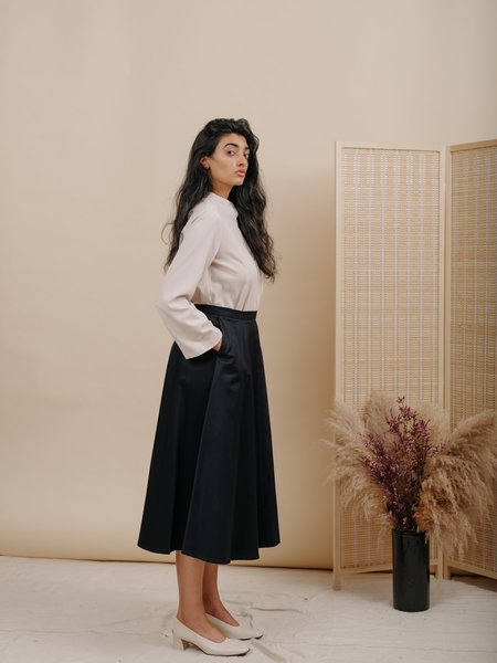 Wolcott : Takemoto Shadow Skirt - Navy Cotton Twill