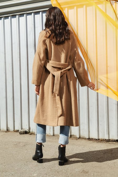 Apiece Apart Juul Wrap Coat - Camel