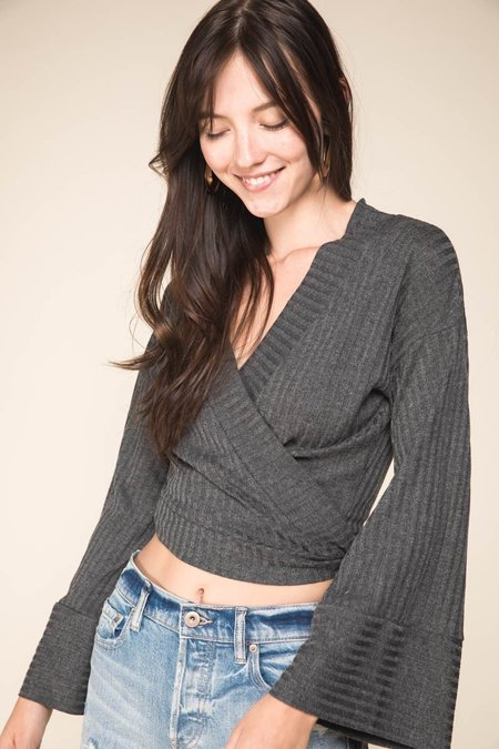 Grade & Gather That's a Wrap Top - Charcoal