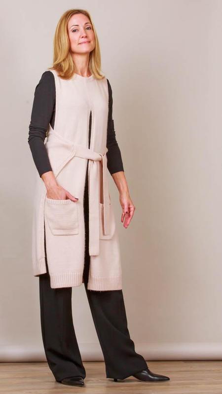 Psophia Long Vest With Belt And Pockets - Beige